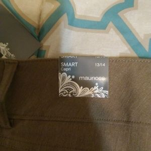 Maurices Pants - Maurices Khaki NWT Thats Smart Capris